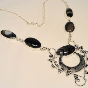 Jewelry - Black Brown striped African Agate Silver Necklace